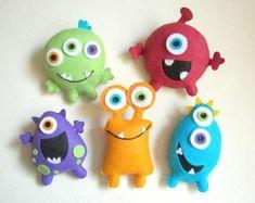 """Plush toys Felt toys Monster Monster Friends by Feltnjoy on Etsy toys Plush toys, Felt toys, Monster - """"Monster Friends"""" Monster Dolls, Monster Room, Monster Party, Monster Mash, Baby Mobile, Felt Mobile, Mobile Mobile, Ugly Dolls, Dolls Dolls"""