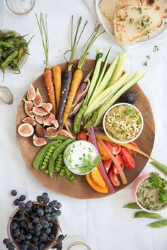 The Ultimate Crudité Platter filled with fresh and healthy vegetables, spreads… Crudite Platter, Veggie Platters, Veggie Tray, Charcuterie, Bento, Vegetarian Recipes, Healthy Recipes, Dip Recipes, Brunch