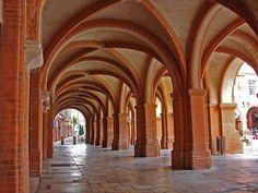 Place Nationale - Les arcades - 82 Montauban - France