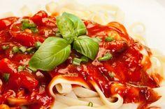 Delicioso y único: Fettuccine con salsa cremosa de tomate