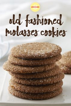 We like our Molasses Cookies like we like our molasses. With lots of molasses. Cookie Pie, Cookie Bars, Land O Lakes Recipes, Old Fashioned Molasses Cookies, Happy Foods, Holiday Cookies, Cookie Monster, Christmas Recipes, Sugar Cookies