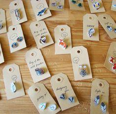 krimppapier : zo schattige - mini broches Shrink Paper, Shrink Art, Cute Crafts, Crafts For Kids, Diy Crafts, Shrink Plastic Jewelry, Halloween Bunting, Friendly Plastic, Shrinky Dinks