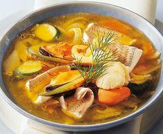 Fischsuppe mit Safran und Gemüse