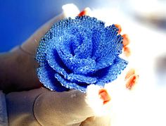 Pattern and tutorial for peyote beaded rose - how to bead a rose - artisan rose photo tutorial