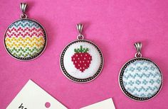 Diy Embroidery, Cross Stitch Embroidery, Cross Stitch Patterns, Cross Stitch Boards, Mini Cross Stitch, Diy And Crafts, Arts And Crafts, Minis, Hama Beads