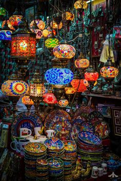Muscat souk / Oman (by Red EYE Photos). (It's a beautiful world) Red Eye Photo, Beautiful World, Beautiful Places, Turkish Lamps, Oman Travel, Dubai Travel, Luxury Travel, Moroccan Decor, Arabian Nights