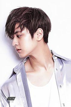 """is this like the official maknae line pose coz"" Kim Jinhwan, Chanwoo Ikon, Yg Entertainment, K Pop, Bobby, Ikon Leader, Winner Ikon, Jay Song, Ikon Kpop"