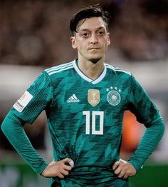 Mesut Ozil of Germany during the international friendly match between Germany and Spain at Esprit-Arena on March 2018 in Duesseldorf, Germany. Football Soccer, Football Players, Ronaldo, Real Madrid, Arsenal, Fifa, Kicks, Germany, Sports