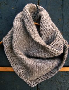Sweet Stitching with Erin: Bandana Cowl - The Purl Bee - Knitting Crochet Sewing Embroidery Crafts Patterns and Ideas! From purl bee.what a great site! Purl Bee, Knitting Patterns Free, Free Knitting, Crochet Patterns, Free Pattern, Knitting Scarves, Scarf Patterns, Cardigan Pattern, Knitting Ideas