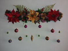 guirnalda navideña.  Navidad. Christmas Clay, Christmas Nativity, Christmas Wreaths, Christmas Crafts, Xmas, Christmas Ornaments, Paper Christmas Decorations, Holiday Decor, Paper Crafts