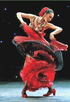 4- Danseuse en rouge