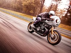 #deus #riding #motos #motorcycles | caferacerpasion.com