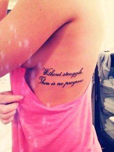 tatouage phrase femme discret flanc