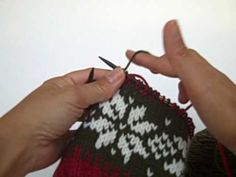 2 color tutorial ~ Knitting with two colors, both held in the right hand.