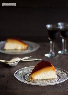 """Hace ya tiempo que quería preparar esta receta de tarta de queso con tocino de cielo que había visto en el libro de """"Dulces y postres"""". Así que en el primer ..."""