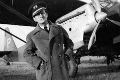 Spain - 1936. - GC - André Malraux, con uniforme de oficial de la aviación republicana