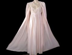 VINTAGE DONNA RICHARDS SATIN PEIGNOIR & NIGHTGOWN SET ADORNED WITH SOUTACHE LACE IN SUGAR BLOSSOM