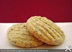 Nusskekse - 300 g Butter 200 g Haselnüsse, gemahlene 100 g Mandel(n), gemahlene 300 g Mehl 150 g Zucker (feine Körnung) 1 Pck. Vanillinzucker (sind gut, zerfallen etwas)