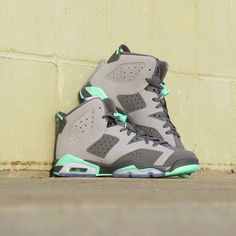 Girls Grade School Air Jordan Retro 6 'Green Glow' is here. Ladies, size down 1.5 if you like what you're seeing. PC: @finishlinepeoria