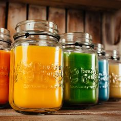 Cracker Barrel Old Country Store candles bring the fresh aromas of homecooking into your home, without dirtying a single dish.