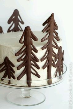 Christmas cake with Chocolate trees.. could do snowflakes in white and blue