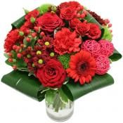 Red Coral valentines flowers in france €47.76