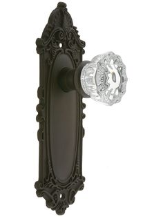 Largo Design Door Set With Fluted Crystal Glass Door Knobs