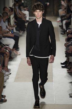 Valentino Spring 2017 Menswear Collection Photos - Vogue