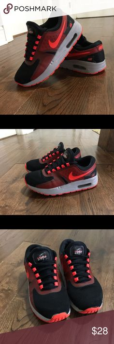 best website f32ea f60de Nike Air Max Zero Essential Sneaker Sz 2Y Nike Air Max Zero Essential  Sneaker Sz 2Y