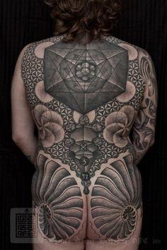 Nicks Sacred Geometry Back Piece Tattoo Thomas Hooper 001 March 16