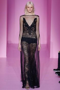 Givenchy's Spring 2016 Couture collection is here!