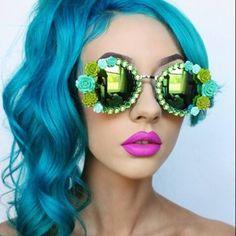 Her Tiny Teeth. With a Voodoo blue Manic Panic Voodoo Blue, Manic Panic Hair, Teal Hair, Green Hair, Turquoise Hair, Bright Hair, Medium Hair Styles, Long Hair Styles, Hair Heaven