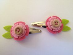 Pink Felt Flower Hair Clips by Lilica on Etsy, $5.00