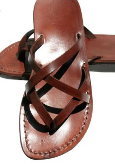 Brown Mixin Leather Sandals For Men & Women - Handmade Unisex Sandals, Flip Flop Sandals, Jesus Sandals, Genuine Leather Sandals Jesus Sandals, Leather Bag Pattern, Brown Leather Sandals, Fashion Sandals, Flip Flop Sandals, Leather Men, Handmade Leather, Leather Craft, Men Fashion