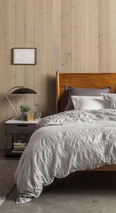 A heathered grey seasonal duvet set by Parachute Home to update your bedding basics. http://www.parachutehome.com/products/heathered-stripe-duvet-set?variant=8041162305