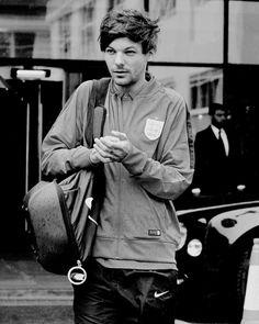 Louis Tomlinson 2016 - He looks so good holy fudge. @starrybeauty