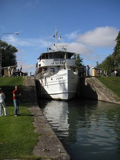 Göta Kanal - Sweden - Someday I'm going to go on this boat!