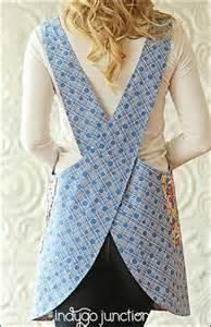 This pattern by Indygo Junction makes comfortable crossback apron. It can be made from size XS up to 3XL. Both child and adult sizes are included in the pattern. It would be a wonderful mother/daughter project.