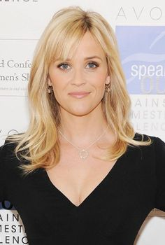 http://images.hollywoodpix.net/reese-witherspoon-picture-1926703235.jpg