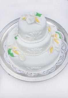 #bruidstaart #weddingcake Cake, Desserts, Food, Tailgate Desserts, Deserts, Kuchen, Essen, Postres, Meals