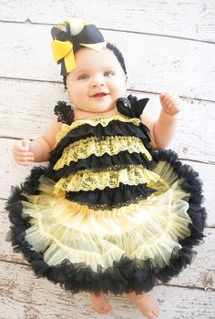 Bumble bee costume - Toddler - baby Halloween costume - Bee Outfit - Bee Romper - Petti lace Romper - Pettiskirt- bee Birthday - Bee Dress on Etsy, $35.00