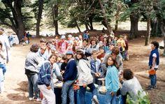 Desayuno en el Campamento Anual en Lago Mascardi 1990.-