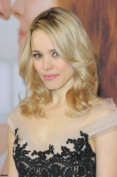 """The Canadian artist, 'Rachel McAdams' is a real brunette. She initially worked in some television programs and filmRead More """"Rachel Mcadams Hairstyles"""" Rachel Mcadams Blonde, Rachel Mcadams Hot, Long Face Shapes, Long Faces, Messy High Ponytails, Strawberry Blonde, Hollywood Actor, Celebrity Hairstyles, Hair Lengths"""