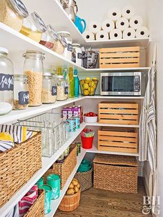 Cleaning out forgotten, expired, mismatched, and flavorless items from your kitchen is an easy way to optimize kitchen storage! Here's a list of all the things you should toss, relocate, or donate from your kitchen. #decluttering #kitchenstorage #organize #kitchen #bhg Pantry Storage, Pantry Organization, Kitchen Storage, Organized Pantry, Pantry Shelving, Kitchen Shelves, Sage Kitchen, New Kitchen, Kitchen Decor
