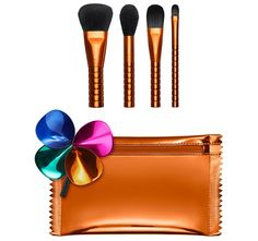 Offering more than 100 shades of professional quality cosmetics for All Ages, All Races, and All Genders. Mac Makeup Brushes Set, Makeup Brush Set, Concealer Brush, Orange Bag, Brush Kit, Make Up Collection, Foundation Brush, Perfect Makeup, Mac Cosmetics
