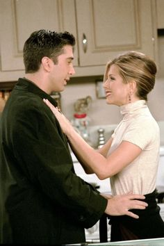23 Times We Liked Rachel Green's Outfit Even More Than Her Haircut Anyone who has binge-watched Friends multiple times — and we know you're all guilty — knows there's just something about Rachel Green. Serie Friends, Friends Moments, Friends Tv Show, Friends Forever, Rachel Green Style, Rachel Green Friends, Rachel Green Outfits, Skirt Images, Dress Images