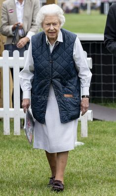 Royal Uk, Royal Life, Royal Queen, Royal Monarchy, Epsom Derby, Cuthbert, Windsor Castle, Sunderland, Queen Elizabeth Ii