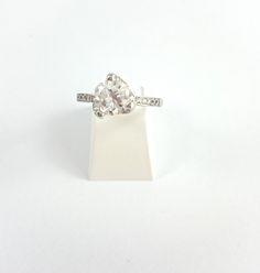 Bague de fiançailles diamant de 1.17cts certifie couleur G qualité VVS2 en vente sur www.BijouxAnciens.Paris