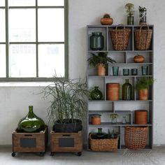 Wyjątkowe meble i dodatki w stylu skandynawskim duńskiej firmy Hubsch dostępne na http://lawendowykredens.pl/pl/134-meble-hubsch