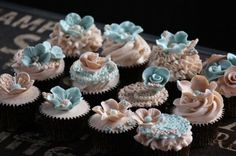 Vintage Cupcakes By HandmadewithLovebyLisa on CakeCentral.com